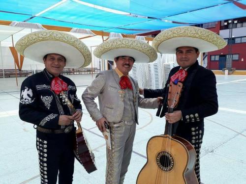 mariachis en lima5