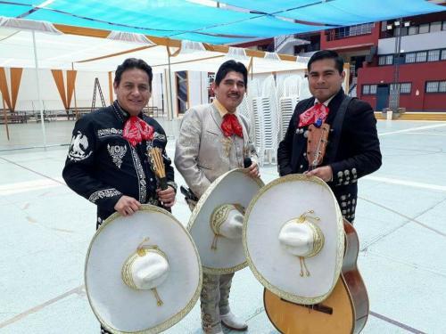 mariachis en lima8